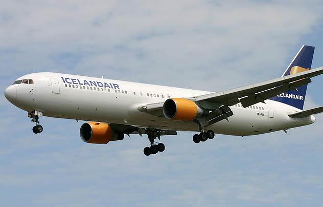 Icelandair 25 jaar op Schiphol en groter vliegtuig Boeking 767