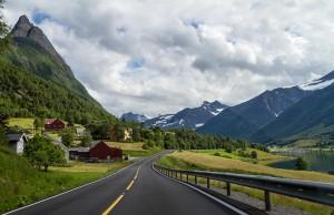 Auto of Camperrondreis door Noorwegen8