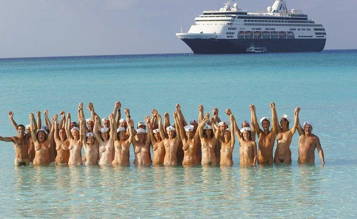 Swinger nudisten Nudist Swingers