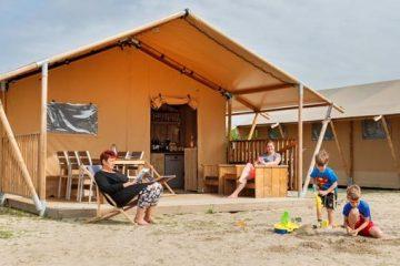 Slapen-in-een-safaritent-op-Molecaten-park-Waterbos-in-Rockanje2