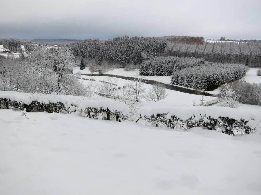 Overnachten huisje met houtkachel en uitzicht Ardennen27