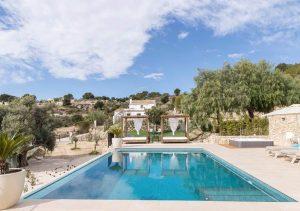 Ontspannen in een luxe yoga en wellness villa van Puur&Kuur in Spanje1
