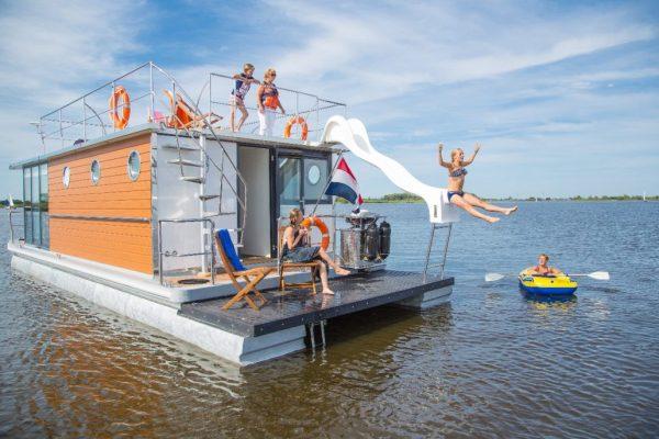 Slapen op een woonboot in Warns Friesland 2