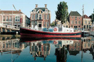 Slapen in reddingsboot Lilla Marras in Harlingen 12