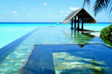 Paradise-Pool-The-Maldives