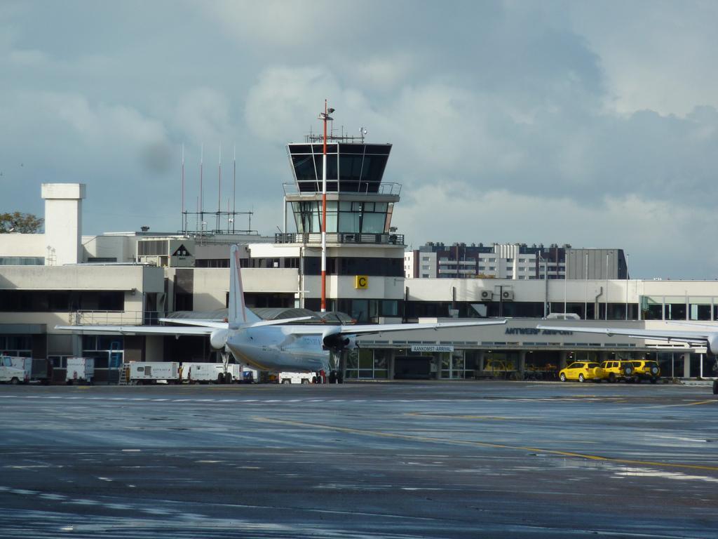 Vliegen met JetAir vanaf Antwerpen3